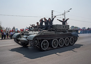 Nordkorea, Parade, Pjöngjang, 105. Geburtstag, Kim Il Sung, Panzer, Militär
