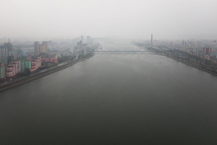Pjöngjang - der Fluss Taedong-Gang am Morgen